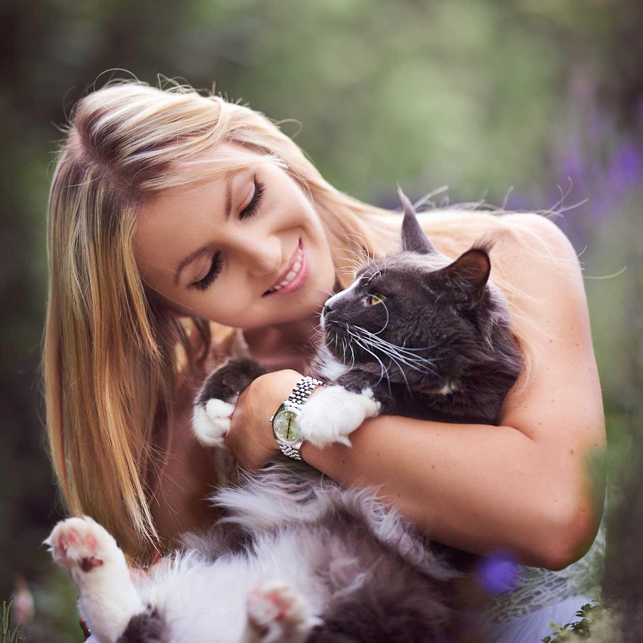 Katze mit Mensch