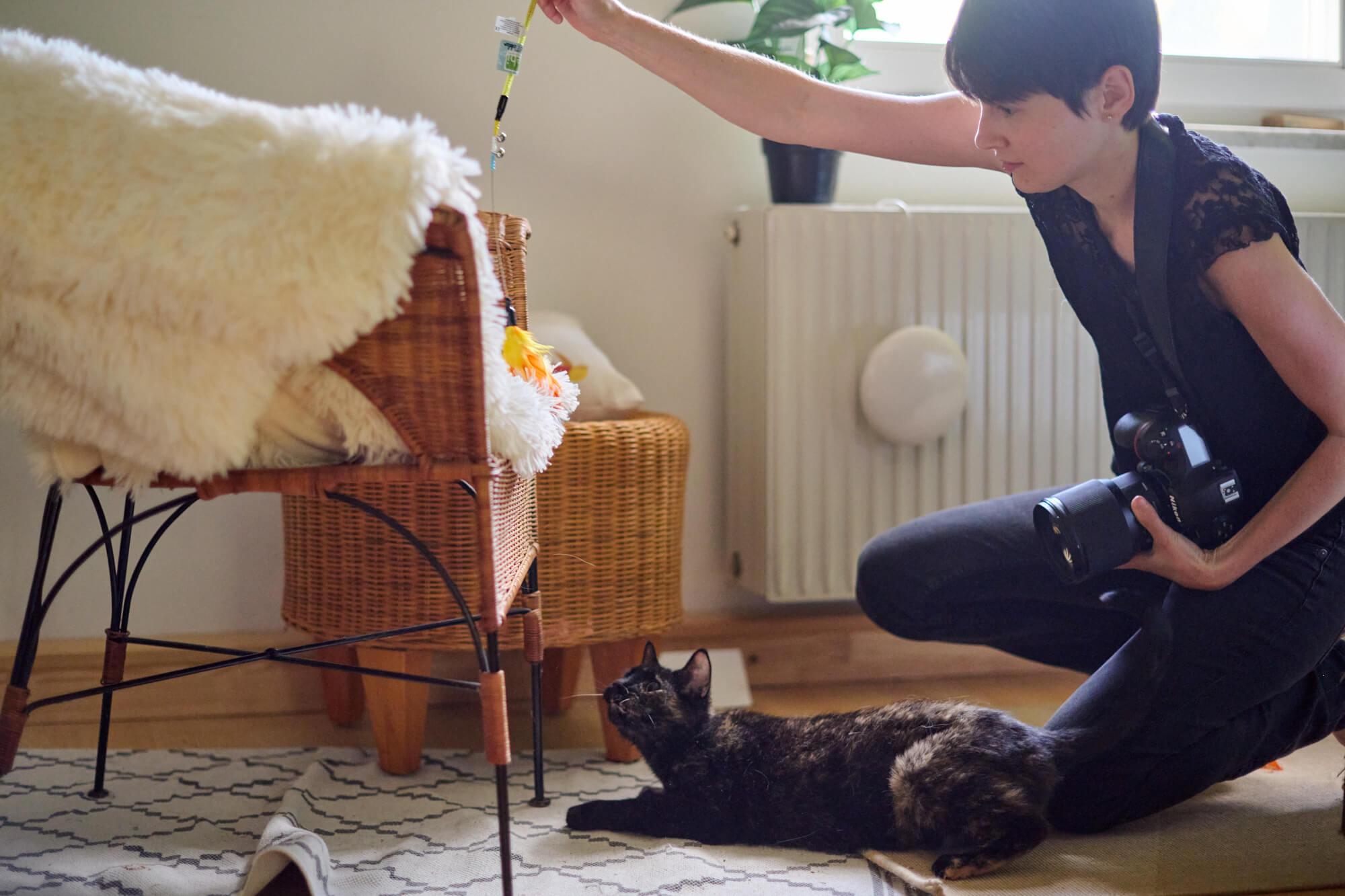 Sabine beim Katzen Fototermin